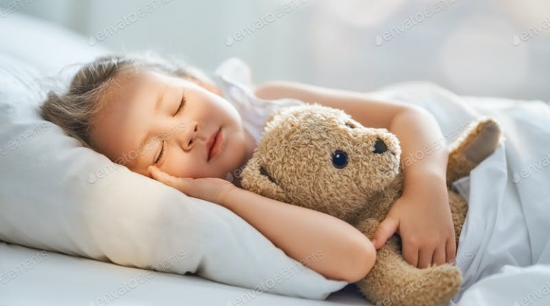 Salgın Zamanlarında Çocukların Düzenli Uyumasına Nasıl Yardımcı Olabiliriz?